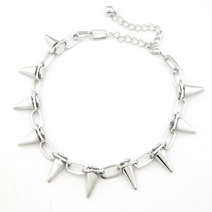 Fashionable Punk Rivets Style Necklace - Silver