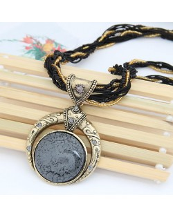 Vintage Bohemian Engraving Pattern Round Gem Inlaid Pendant Necklace - Gray