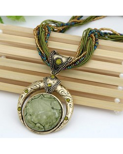 Vintage Bohemian Engraving Pattern Round Gem Inlaid Pendant Necklace - Green