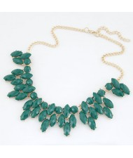 Resin Leaves Short Costume Necklace - Green
