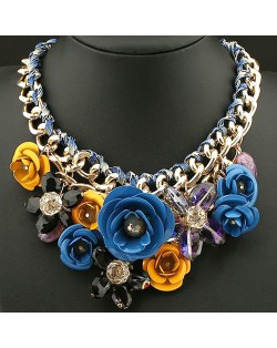 Prosperous Vivid Flower Cluster Chunky Costume Necklace - Blue