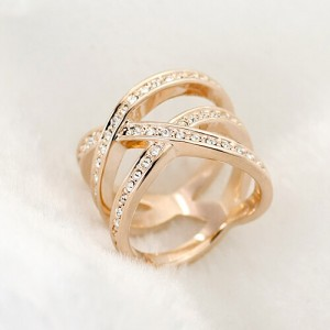 Austrian Rhinestone Embedded Crossing Design Knuckle Ring - Rose Gold