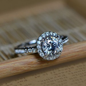 Gorgeous Shining Round Cubic Zirconia Platinum Plated Alloy Ring
