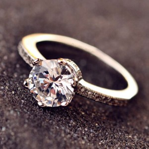 Stunning Style Six Claw Cubic Zirconia Wedding Ring