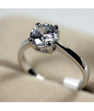 Classic Four Claw Zirconia Platinum Plated Alloy Wedding Ring