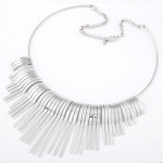 High Fashion Tridimensional Tassels Alloy Necklet - Silver