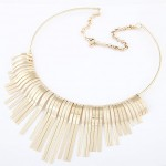 High Fashion Tridimensional Tassels Alloy Necklet - Golden