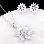 Cubic Zirconia Embedded Floral Style Platinum Plating Copper Necklace and Earrings Set - Transparent
