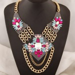 Rhinestone Inlaid Jointed Gem Flowers on the Chained Plates Design Necklace - Pink Blue