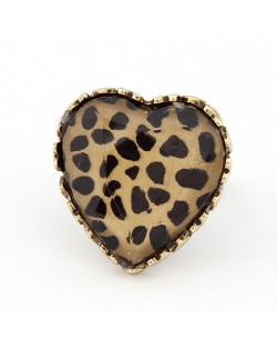 Sweet Leopard Prints Embedded Peach Heart Design Ring