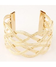 Hollow Wave Pattern Wide Open-end Design Fashion Costume Bangle - Golden