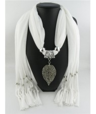 Refined Hollow Leaf Pendant Fashion Scarf Necklace - White