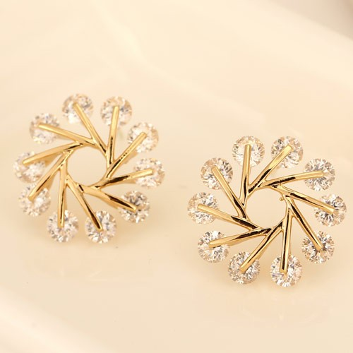 Luxurious Cubic Zirconia Snowflake Fashion Ear Studs - Golden